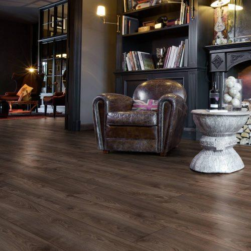 ML1010 Residence MAKRO OAK BROWN komin strona 500x500 - Panele podłogowe ML1010 Makro Oak Brown | Residence 10 mm AC5 | My Floor