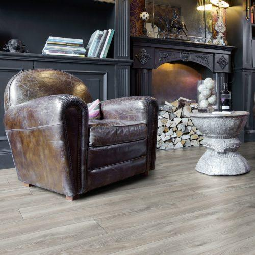 ML1013 Residence HIGHLAND OAK SILVER komin 1 e1563966764198 500x500 - Panele podłogowe ML1013 Highland Oak Silver | Residence 10 mm AC5 | My Floor